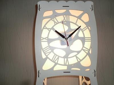Saatli Raflı Ahşap Lambader Köşe Zemin Aydınlatma 130x25 cm