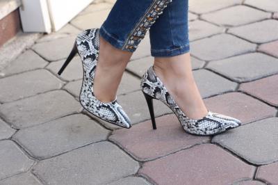 Bayan Siyah Yılan Derisi Stiletto Ayakkabı